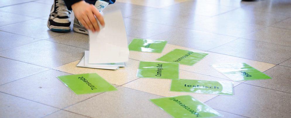 Karten mit Begriffen der Sexualität am 25.02.2014 in Hannover in der IGS-List beim SchLau-Workshop. Foto: Tobias Kleinschmidt